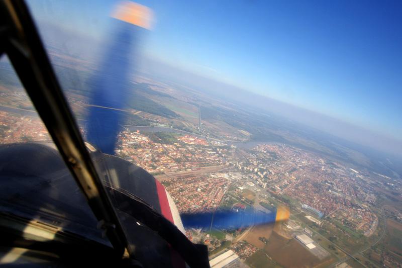 Osijek s 1000 metara  Foto: cacan  Ključne riječi: padobranci memorijal zrakoplovaca osijek zraka