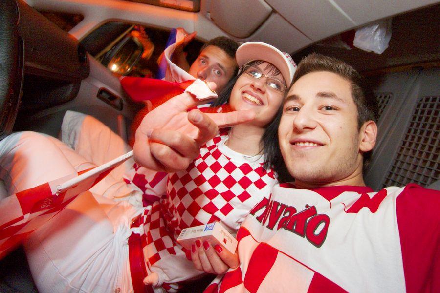 Euro 2008 Osijek, slavlje!  Foto: cacan  Ključne riječi: euro2008 euro slavlje navijanje