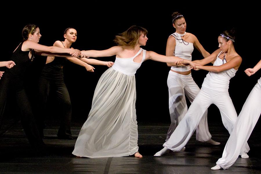 Temptation - Voices  [url=http://www.osijek031.com/osijek.php?najava_id=13945]Dječje kazalište: plesna predstava