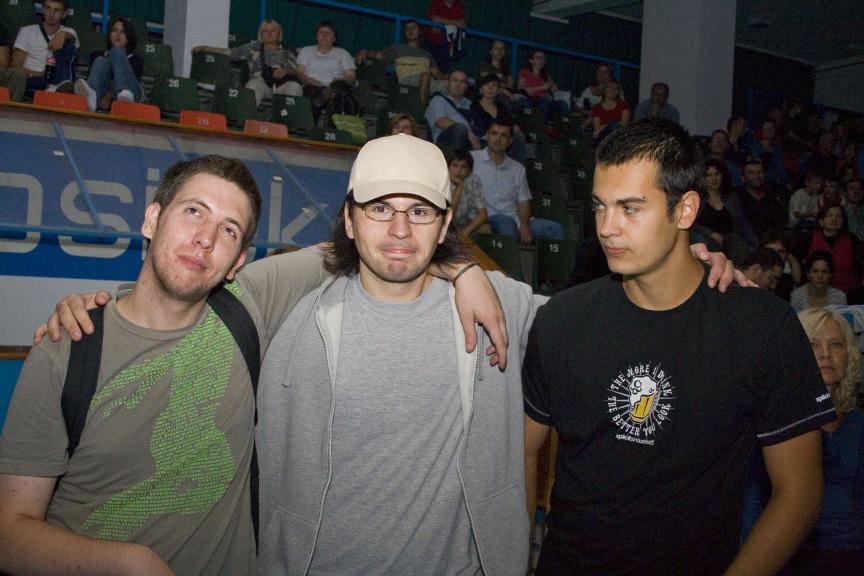 OLJN - Cubismo, Tito & Tarantula  Foto: zeros