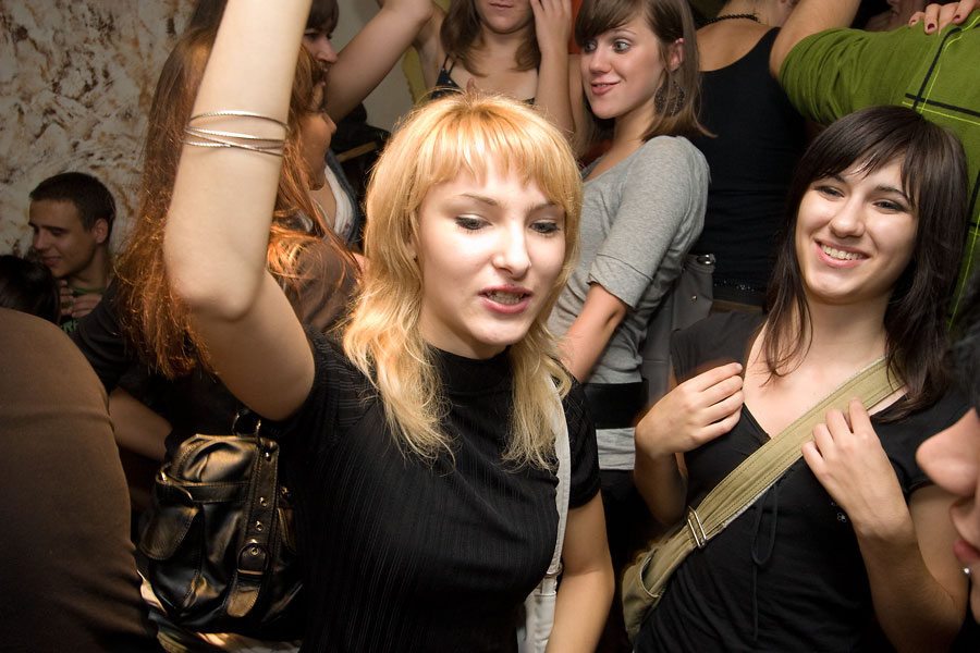 Saturday Night clubbing Sound  Foto: steam  Ključne riječi: klub_sound