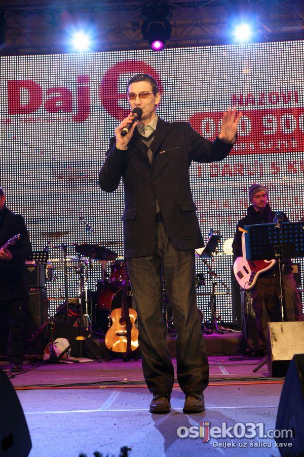 'Daj 5'  - [Zagreb]  Ključne riječi: daj-pet humanitarni-koncert
