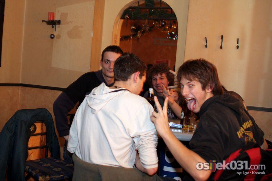 Excalibur bar  Foto: Igor Košćak  Ključne riječi: excalibur banjdak bozic mrazice