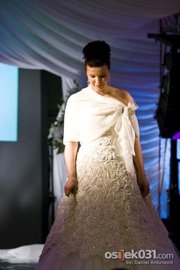 Sajam vjenčanja  Foto: Daniel Antunović  Ključne riječi: sajam vjencanja vjencanice