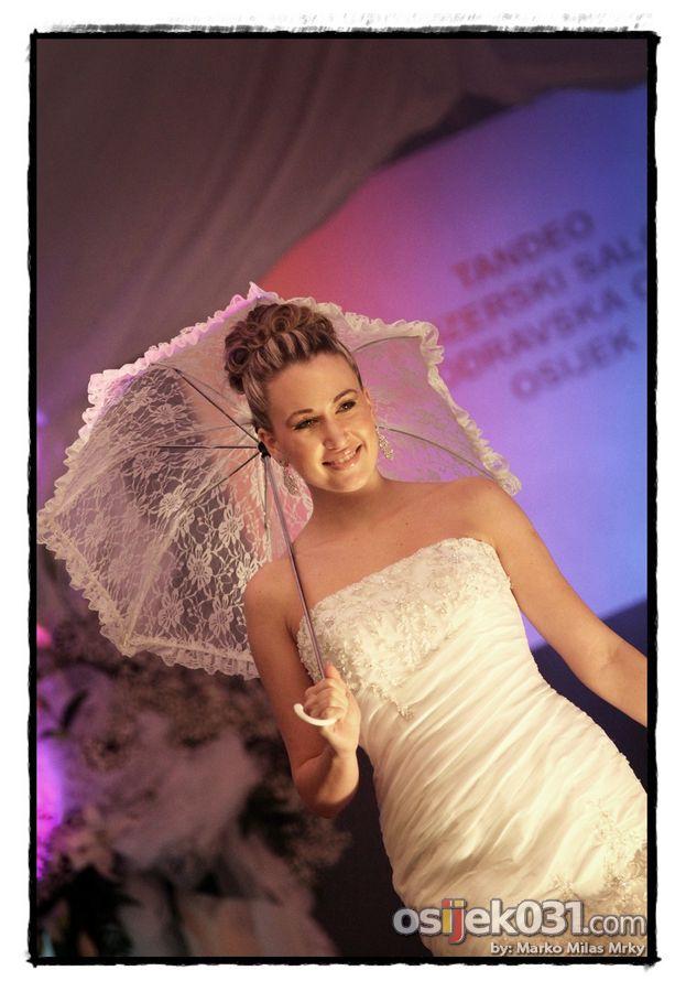 Sajam vjenčanja [nedjelja]  Foto: Marko Milas Mrky  Ključne riječi: sajam vjencanja vjencanice