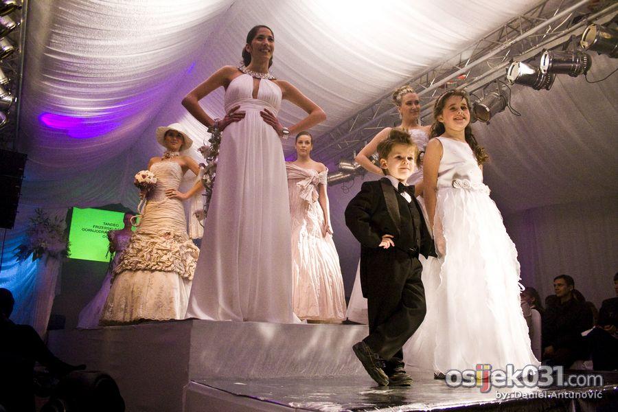Sajam vjenčanja [nedjelja]  Foto: Daniel Antunović  Ključne riječi: sajam vjencanja vjencanice