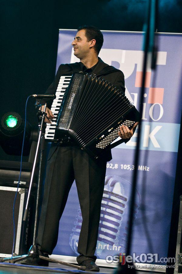 Zrinjevac  Foto: Daniel Antunović  Ključne riječi: zrinjevac tamburaski-koncert memorijal darko-pauric
