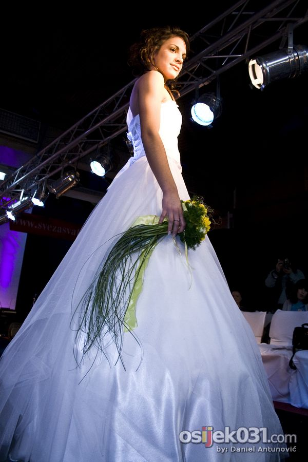 Sajam vjenčanja  Foto: Daniel Antunović  Ključne riječi: sajam vjencanja vjencanice pampas