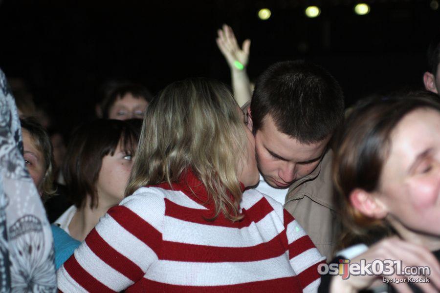 ''Valentinovo u Osijeku''  Foto: Igor Košćak  Ključne riječi: valentinovo hari-mata-hari
