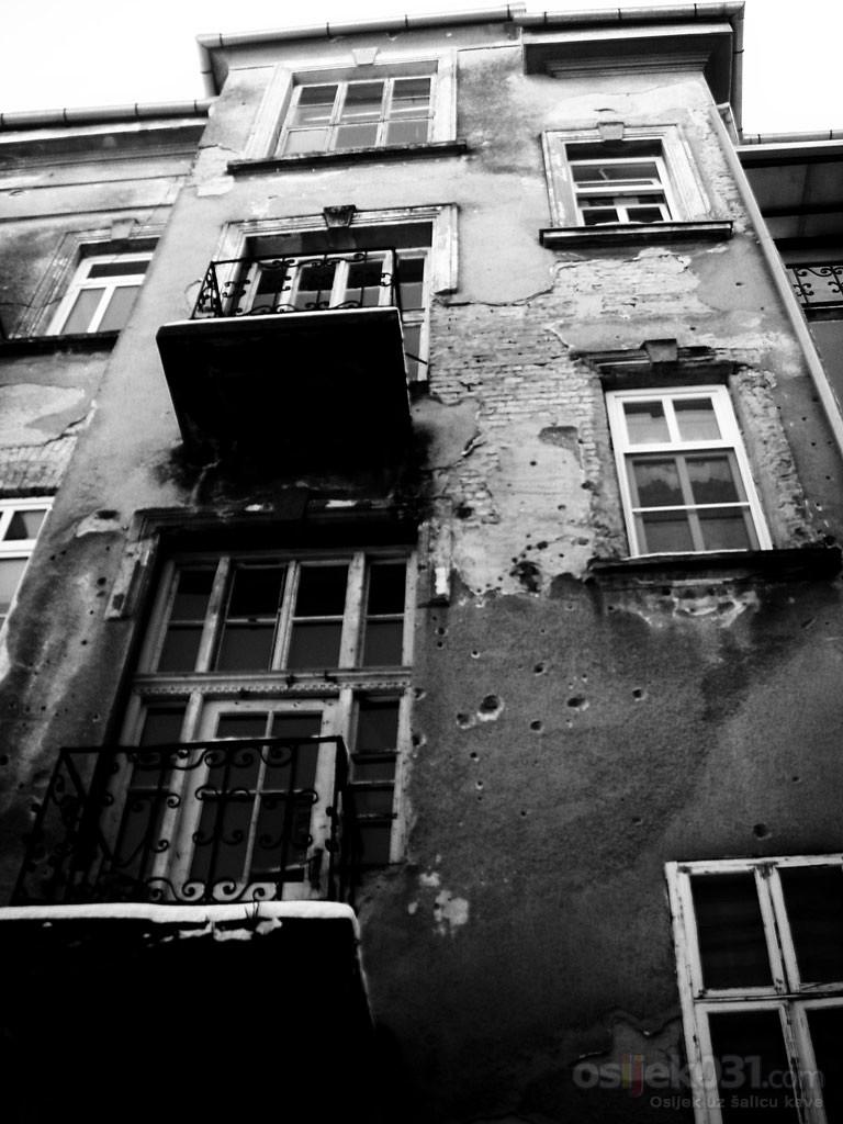 Kuca iz snova  Foto: Ana Brodjanac, Dragana Cubra, Nera Marjanovic  Ključne riječi: fotomaraton, southeast24-7