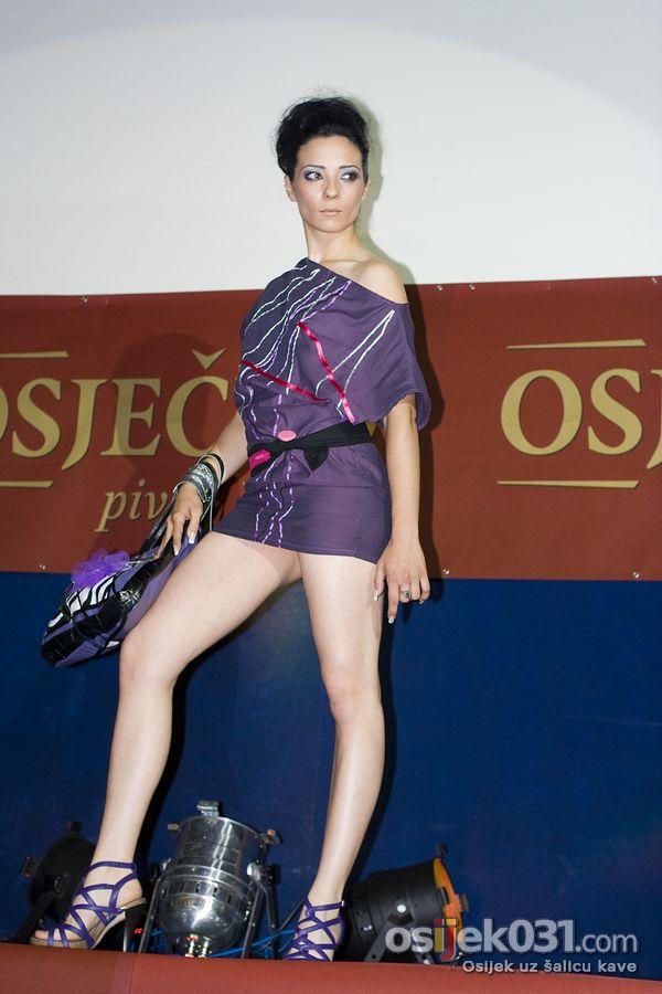 Modna revija  Foto: Daniel Antunović  Ključne riječi: modna-revija