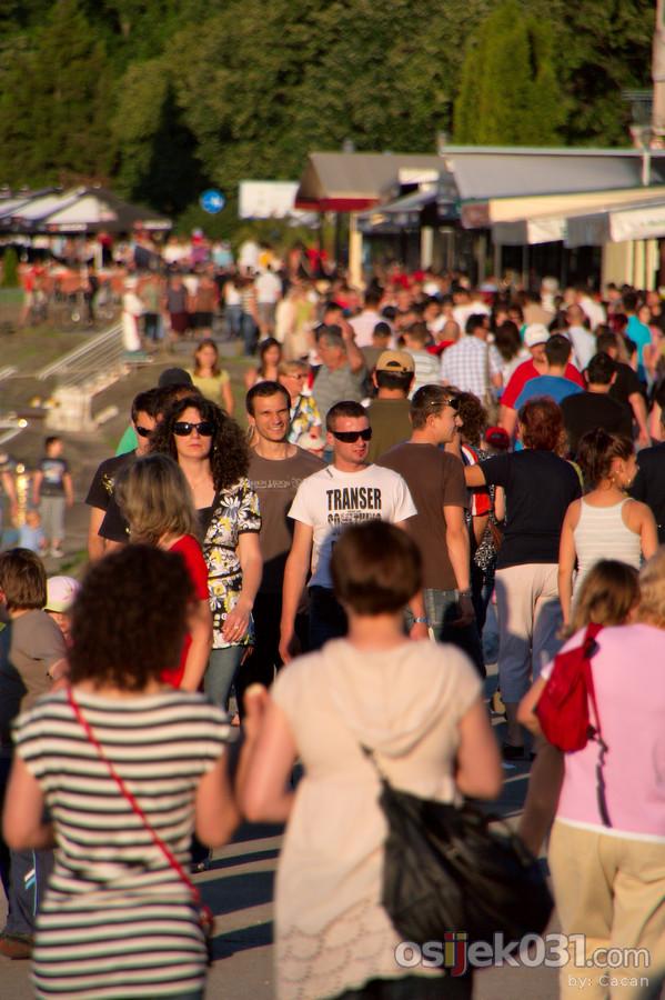 Setnja promenadom  Foto: cacan