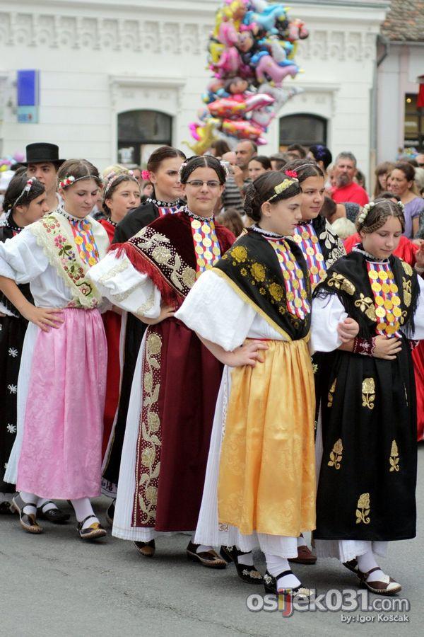 Đakovački vezovi 2010.  Foto: Igor Košćak  Ključne riječi: djakovacki-vezovi