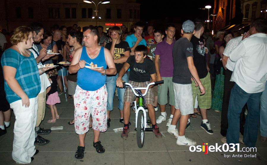 Osječka ljetna noć 2010.  Foto: Ante Delač  Ključne riječi: osjecka ljetna noc 2010 oljn kal