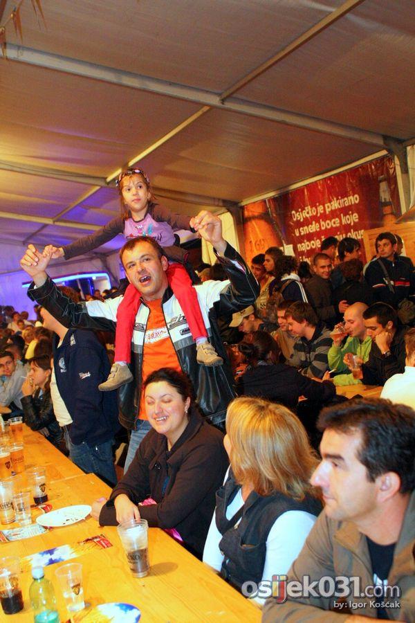 Dani prvog hrvatskog piva 2010. [srijeda]  Foto: Igor Košćak  Ključne riječi: dani-prvog-hrvatskog-piva dani-piva pivo