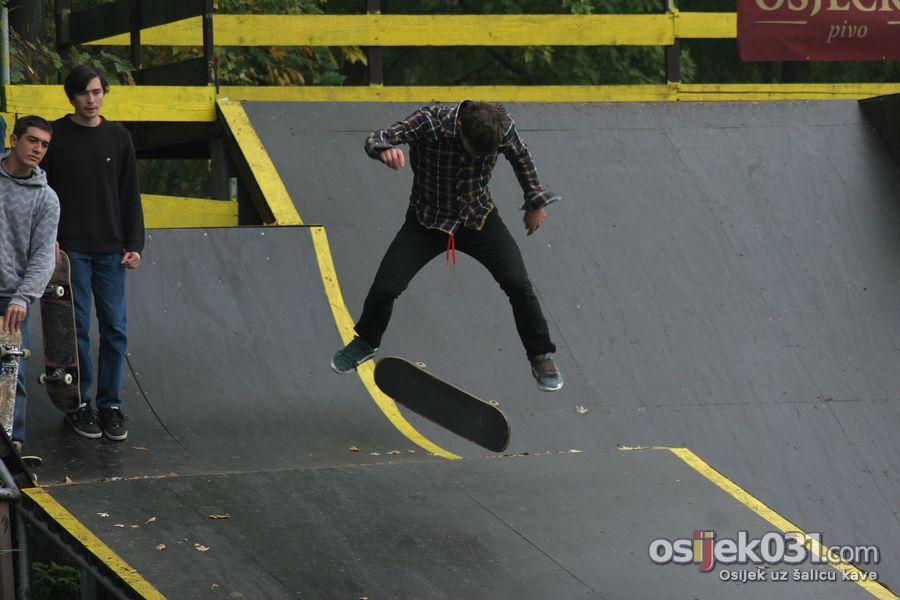 End Of Season  [url=http://www.osijek031.com/osijek.php?najava_id=27953]Skatepark: End Of Season[/url]  Foto: Dominik Cerić