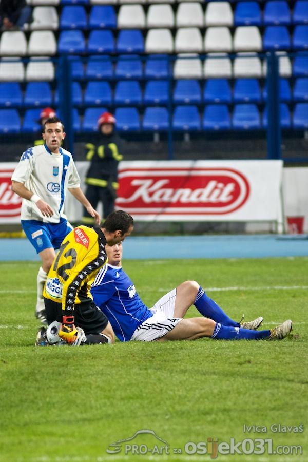 NK Osijek - NK Slaven Belupo 1 : 1  Foto: Ivica Glavas [Pro-Art]  Ključne riječi: nkosijek