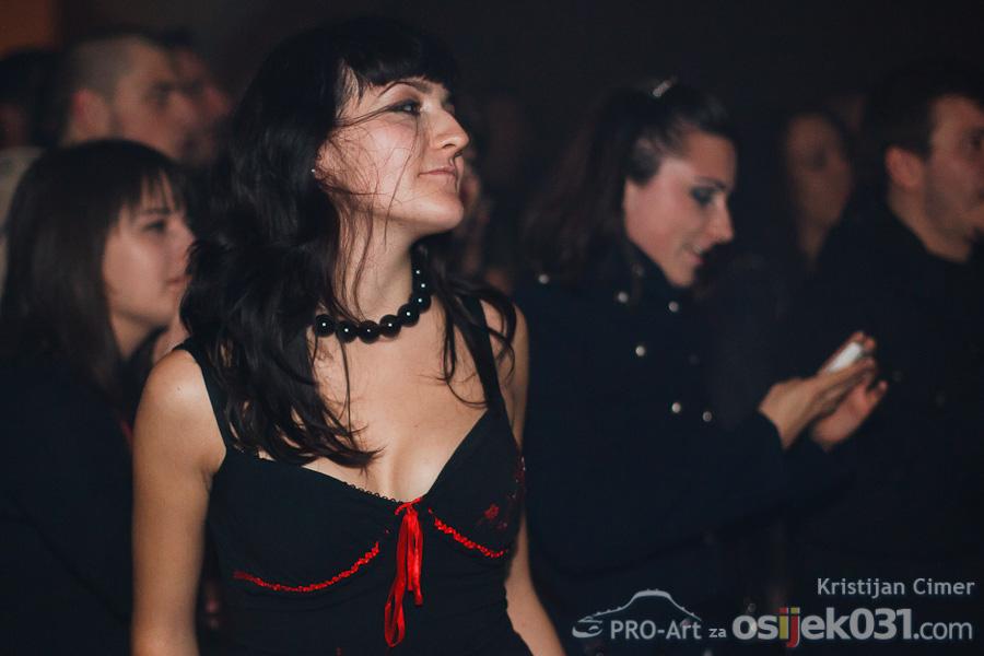 Kandžija i gole žene  Foto: Kristijan Cimer [Pro-Art]