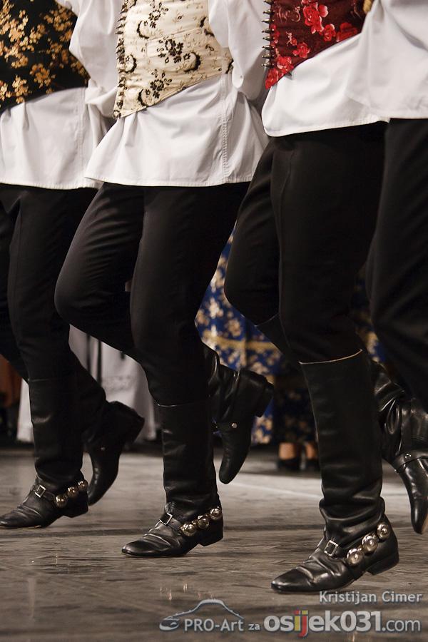 Lado - ansambl narodnih plesova i pjesama Hrvatske  Foto: Kristijan Cimer [Pro-Art]