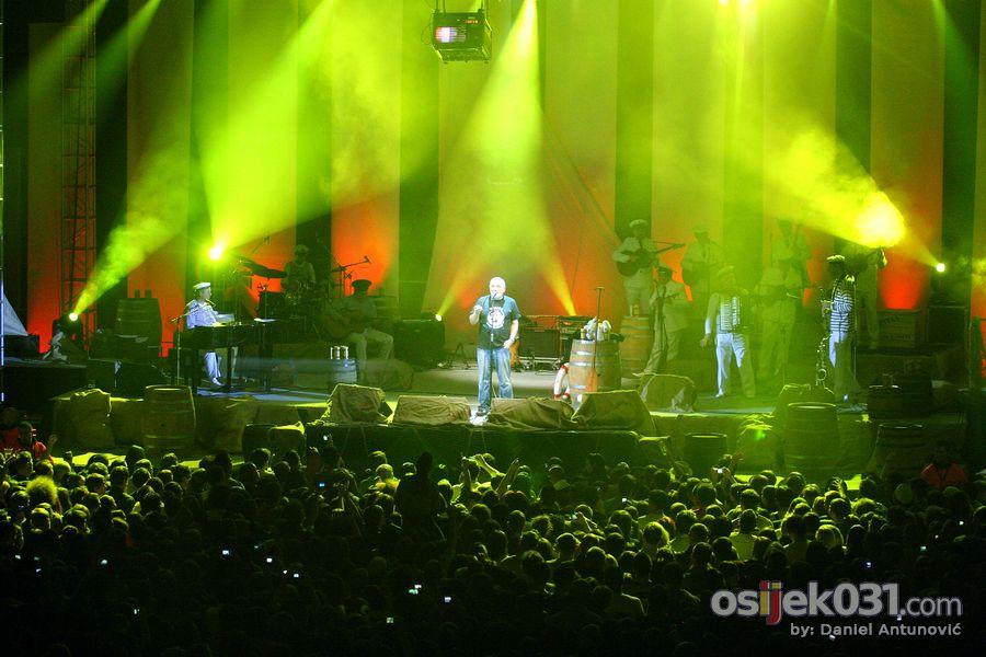 Koncert  [url=http://www.osijek031.com/osijek.php?topic_id=28984]Đole je najveći...[/url]  Foto: Daniel Antunović [Osijek031]