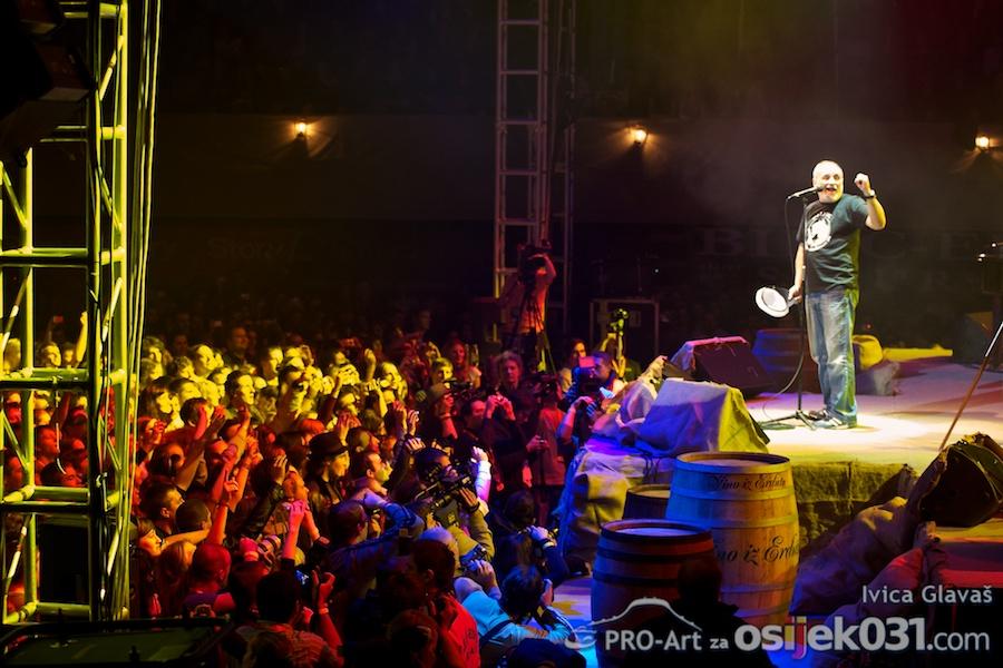 Koncert  [url=http://www.osijek031.com/osijek.php?topic_id=28984]Đole je najveći...[/url]  Foto: Ivica Glavaš [Pro-Art]