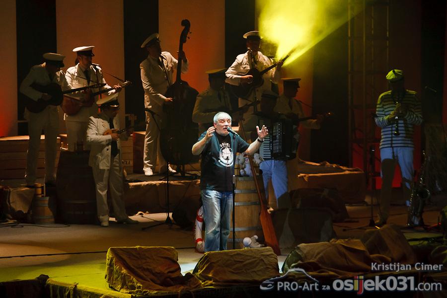 Koncert  [url=http://www.osijek031.com/osijek.php?topic_id=28984]Đole je najveći...[/url]  Foto: Kristijan Cimer [Pro-Art]