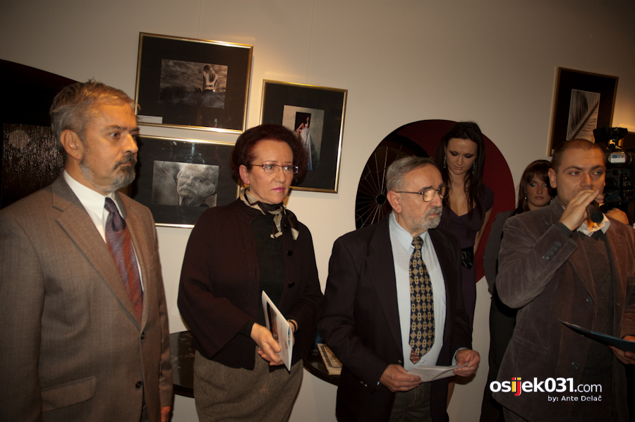 Galerija Magis: XVI. Izložba fotografija autora Osječko-baranjske županije  Foto: Ante Delač