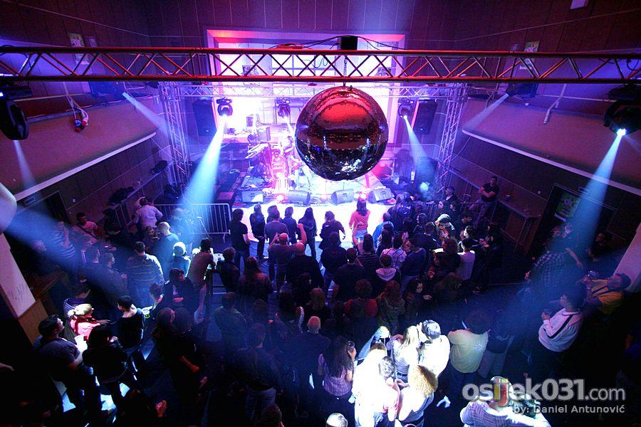 Uskrsni Rock & rolla-a koncert  [url=http://www.osijek031.com/osijek.php?najava_id=31203]MMC Slavija: Uskrsni Rock & rolla-a koncert[/url]  Foto: Daniel Antunović