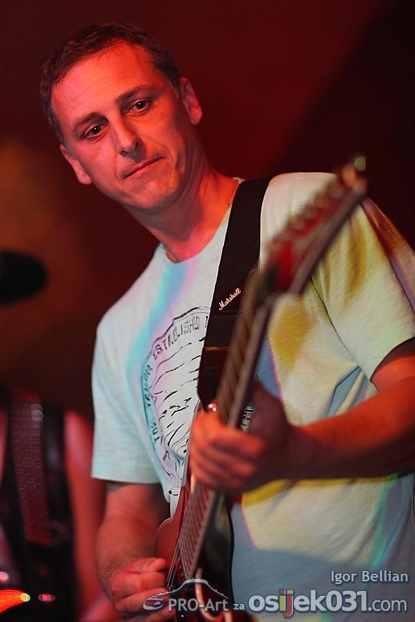 Povijest osjeckog rocka  [url=http://www.osijek031.com/osijek.php?najava_id=31433]Mini Teatar: Povijest osjeckog rocka[/url]  Foto: Igor Bellian [Pro-Art]