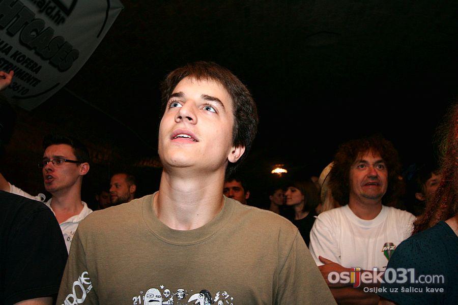 La Fanfare en pétard  [url=http://www.osijek031.com/osijek.php?topic_id=32405]Mini Teatar: La Fanfare en pétard[/url]