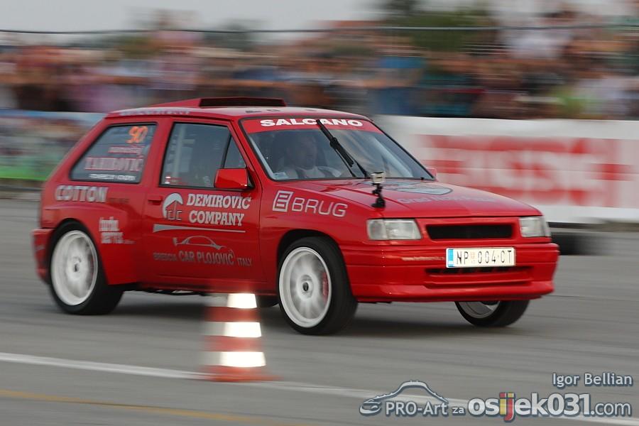 Osijek Street Race Show #7  [url=http://www.osijek031.com/osijek.php?najava_id=33858]Osijek Street Race Show 2011. [#7][/url] Foto: Igor Bellian [Pro-Art]  Ključne riječi: Street-Race-Show Street-Race-Show-2011