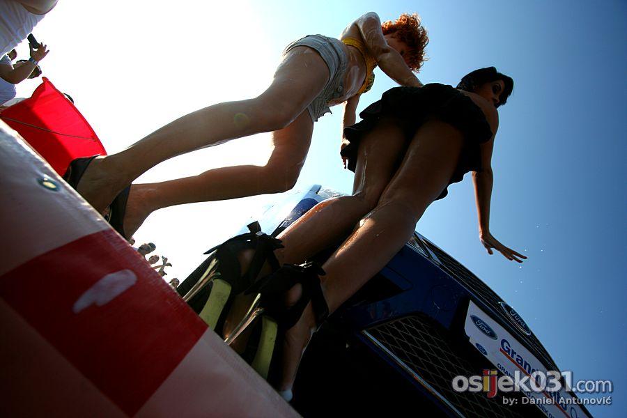 Osijek Street Race Show #7  [url=http://www.osijek031.com/osijek.php?najava_id=33858]Osijek Street Race Show 2011. [#7][/url]  Foto: Daniel Antunović  Ključne riječi: Street-Race-Show Street-Race-Show-2011
