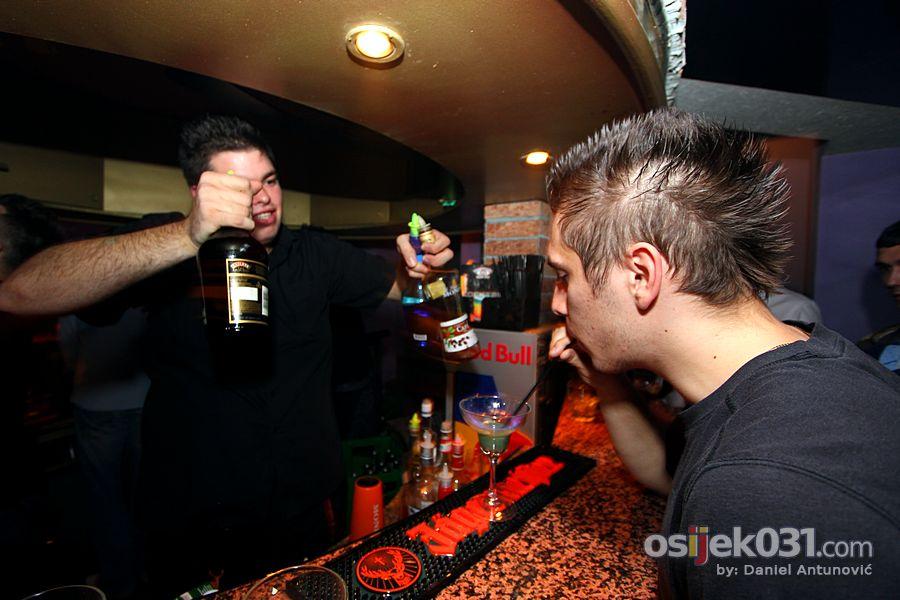 [url=http://www.osijek031.com/osijek.php?najava_id=34602]Insomnia: Party brucošijade Kulturologije[/url]  Foto: Daniel Antunović