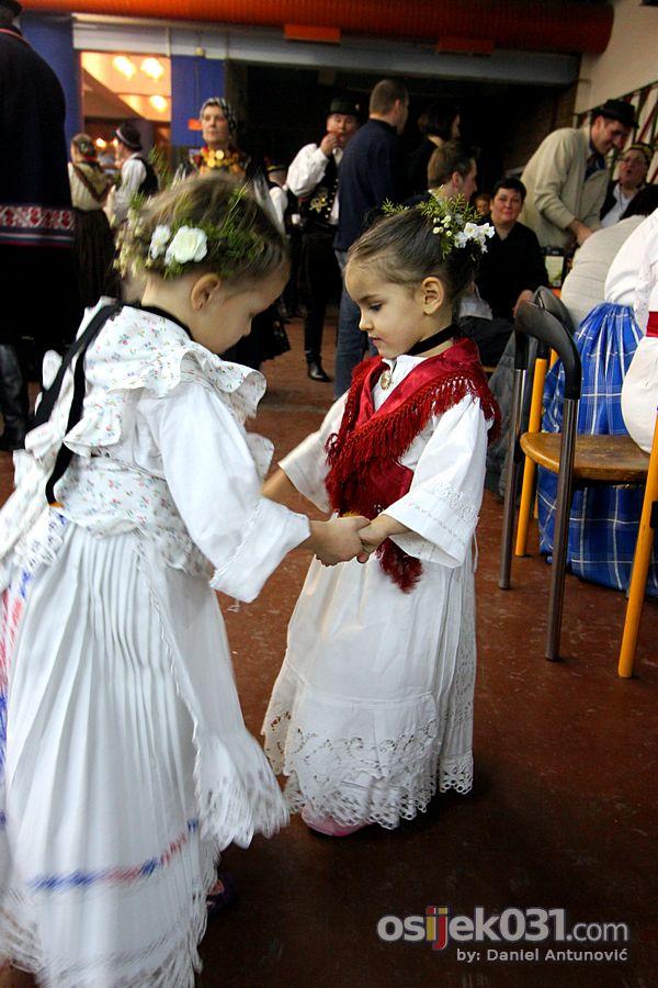 [url=http://www.osijek031.com/osijek.php?topic_id=36653]Održano 42. Slavonsko sijelo STD-a Paje Kolarića [FOTO][/url]  Foto: Daniel Antunović