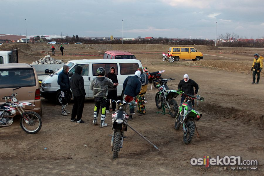 [url=http://www.osijek031.com/osijek.php?topic_id=37276]Motocross staza: uskoro motocross utrke u Osijeku! [/url]  Foto: Dino Spaić