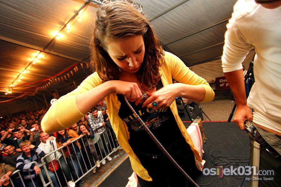 [url=http://www.osijek031.com/osijek.php?topic_id=40394][FOTO] Dani prvog hrvatskog piva 2012. - (dan #2, Osječko TramFest & Džentlmeni)[/url] Foto: Dino Spaić