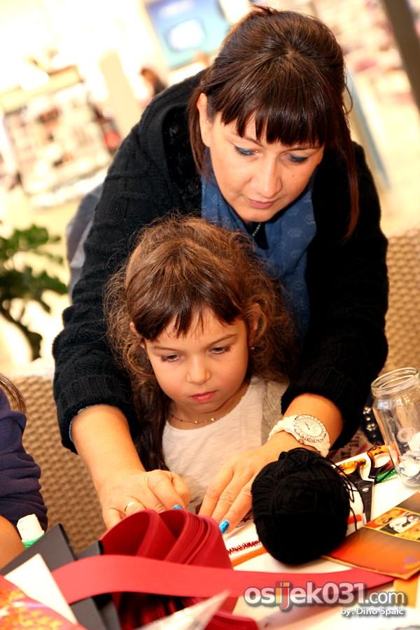 [url=http://www.osijek031.com/osijek.php?topic_id=41114][FOTO] Avenue Mall Osijek: Halloween party za najmlađe[/url]  Foto: Dino Spaić