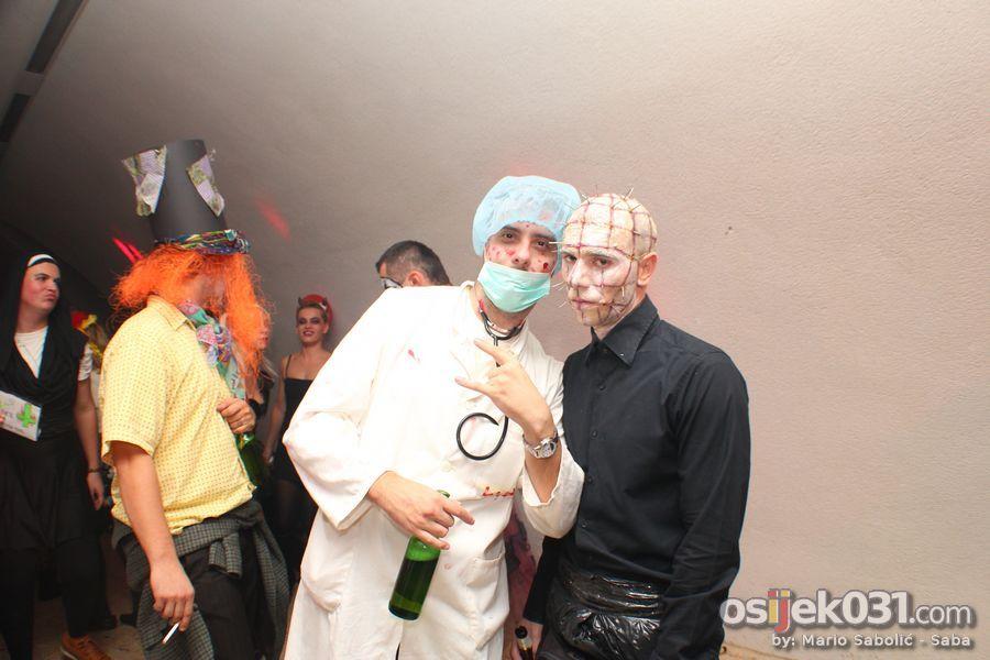 Kazamat - Halloween 2012.  Ključne riječi: halloween halloween_2012