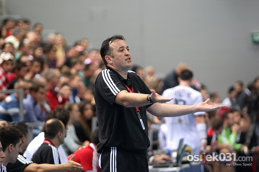 [url=http://www.osijek031.com/osijek.php?topic_id=41200][FOTO] Rukometaši Hrvatske pobijedili Slovačku rezultatom 25:21![/url]  Foto: Dino Spaić