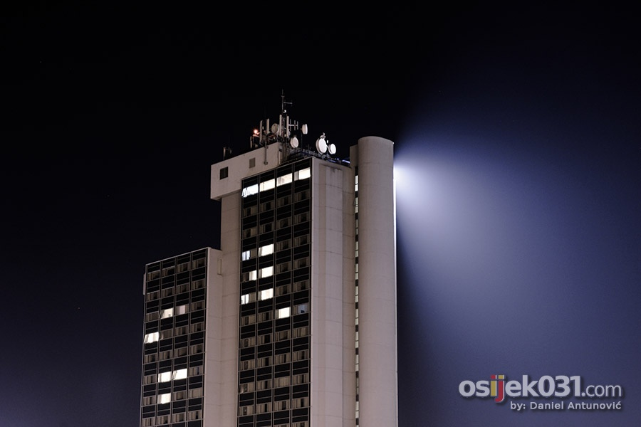 [url=http://www.osijek031.com/osijek.php?topic_id=43518]Noćne fotografije Osijeka[/url]  Foto: [b]Daniel Antunović[/b]