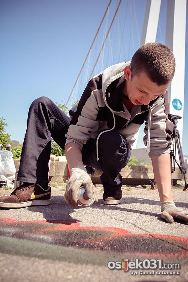 [url=http://www.osijek031.com/osijek.php?topic_id=44794]Na promenadi obilježen Svjetski dan ptica selica[/url]  Foto: [b]Daniel Antunović[/b]