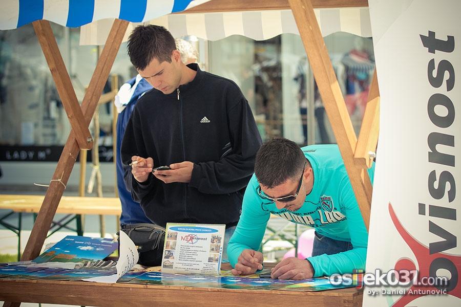 [url=http://www.osijek031.com/osijek.php?topic_id=45136]Na Trgu slobode održan Sajam informiranja mladih[/url]  Foto: [b]Daniel Antunović[/b]