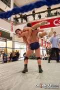 2013_11_24_wrestling_show_avenue_mall_novokmet_017.jpg