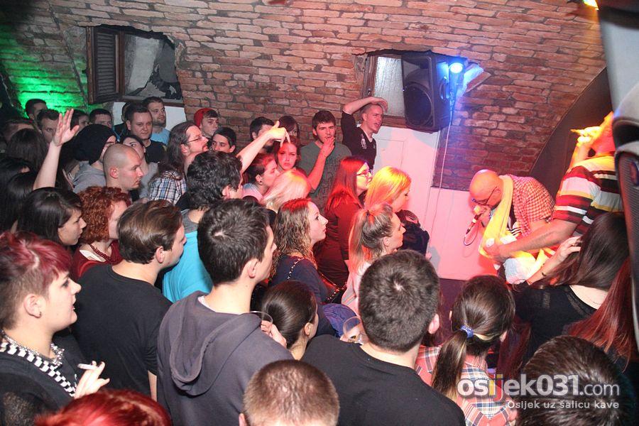 [url=http://www.osijek031.com/osijek.php?topic_id=48256][FOTO] Krankšvesteri i ovog puta oduševili publiku[/url]  Foto: [b]Daniel Antunović[/b]