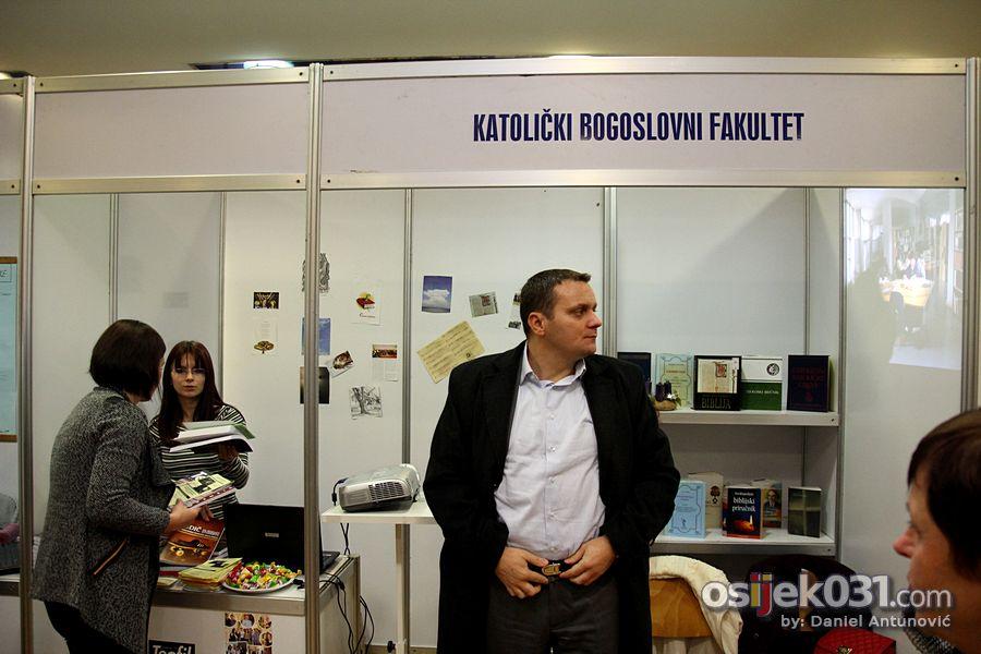 Smotra sveucilista Osijek 2013.  [url=http://www.osijek031.com/osijek.php?topic_id=48438][INFO] 17. Smotra Sveucilista privukla veliki broj posjetitelja[/url]  Ključne riječi: smotra-sveucilista-2013