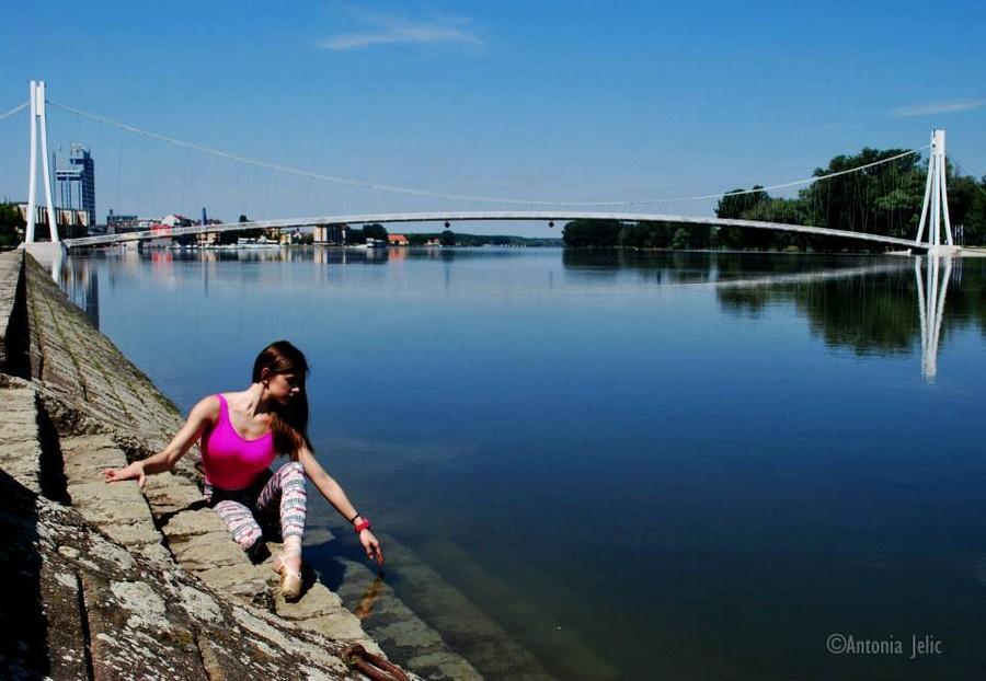 [url=http://www.osijek031.com/osijek.php?topic_id=48975][FOTO] Viseći pješački most u Osijeku - kroz objektiv građana[/url]  Foto: Antonia Jelić