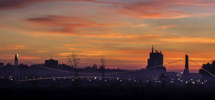[url=http://www.osijek031.com/osijek.php?topic_id=48975][FOTO] Viseći pješački most u Osijeku - kroz objektiv građana[/url]  Foto: Marin Lončar