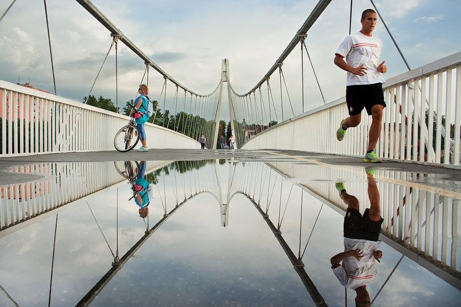 [url=http://www.osijek031.com/osijek.php?topic_id=48975][FOTO] Viseći pješački most u Osijeku - kroz objektiv građana[/url]  Foto: Matej Snopek