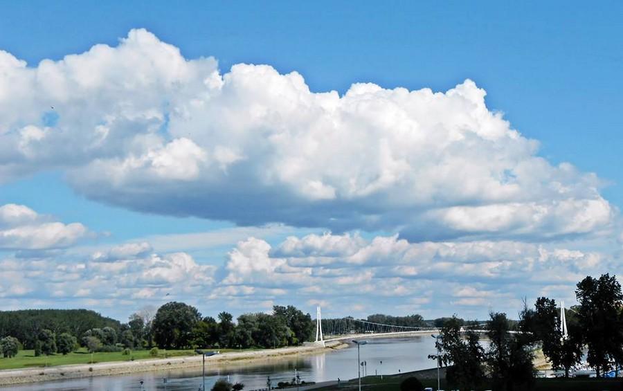 [url=http://www.osijek031.com/osijek.php?topic_id=48975][FOTO] Viseći pješački most u Osijeku - kroz objektiv građana[/url]  Foto: Mateja Verd