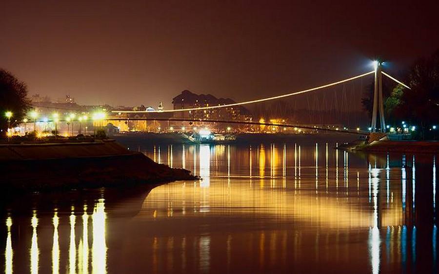 [url=http://www.osijek031.com/osijek.php?topic_id=48975][FOTO] Viseći pješački most u Osijeku - kroz objektiv građana[/url]  Foto: Oriontrail